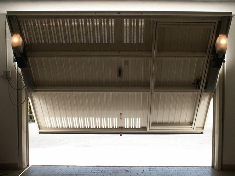 Portoni basculanti parma pr portoni automatici per garage parma pr - Serrande per finestre prezzi ...